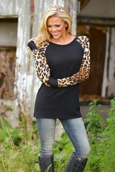 Featuring a black bodice with leopard sleeves this is sure to become one of  your wardrobe staples. Sizes  S-XXL ... e39498d19