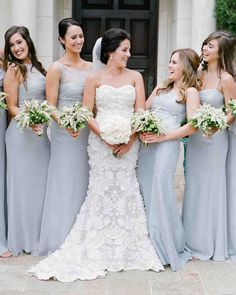 9 Tips for the Petite Bride to Get the Perfect Wedding Day Look - Wedding Dresses 2019 Best Brindal Petite Bride, Short Bride, Wedding Bouquets, Wedding Dresses, Bridesmaid Bouquets, Bridesmaids, Wedding Flowers, Wedding Day, Blue Wedding
