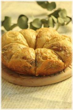 シナモンコーヒー味というちょっぴり大人なパン。発酵も炊飯器に入れて保温機能で待つだけです。