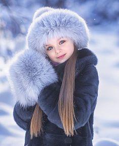 Anastasia Knyazeva - 5 years ❤ Gorgeous little girl Jun Beautiful Little Girls, Cute Little Baby, Beautiful Children, Beautiful Babies, Cute Girls, Cute Babies, Kids Girls, Fashion Kids, Baby Girl Fashion
