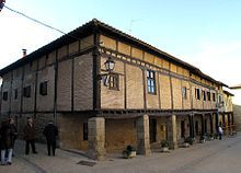 Burgos Santa Gadea del Cid - Plaza porticada