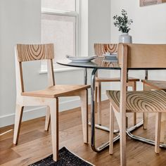 Baltic birch plywood chairs by Atla. Made in Boulder, CO Baltic birch plywood chairs by Atla. Made in Boulder, CO Plywood Projects, Diy Furniture Projects, Design Furniture, Chair Design, Plywood Chair, Plywood Furniture, Balcony Table And Chairs, Dining Chairs, Lounge Chairs