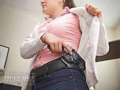 *Crossdraw vs. Strong Side Concealed Carry