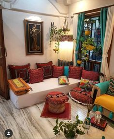 All The Winning Pics of 2019 All the beautiful winning pictures and the stories behind them. All details, prizes and celebrations that we had on Don't miss this one! Indian Room Decor, Indian Bedroom, Ethnic Home Decor, Boho Home, Indian Style Bedrooms, Ethnic Bedroom, Indian Decoration, Bohemian Room Decor, Indian Living Rooms
