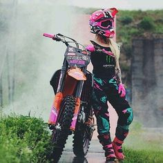 motocross supercross enduro dirtbikes offroad harley gear motorcycle supermoto y. Motocross Girls, Motocross Gear, Girl Dirtbike, Motorcross Helmet, Dirt Bike Girl, Pink Dirt Bike, Girl Bike, Lady Biker, Biker Girl