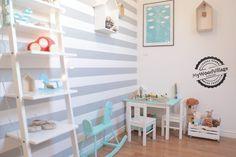 <p>Pokój dla chłopca zaaranżowano w pastelowych kolorach, dzięki temu pokój dziecka nabrał subtelnego wyrazu. Białe meble i wysmakowane dodatki dopełniły ciekawej stylizacji.</p>