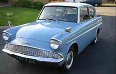 Ford Anglia, We had one of these when we lived in England. But ours was red. American Graffiti, Retro Cars, Vintage Cars, Old Fashioned Cars, Ford Anglia, Living In England, Car Museum, Classic Mercedes, Vintage Classics
