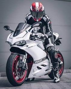 Honda Cb1100, Bullet Bike Royal Enfield, Cb 1000, Bike Leathers, Bike Photoshoot, Motorcycle Wallpaper, Biker Boys, Bobber Motorcycle, Motorcycles