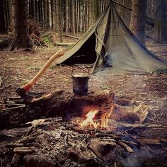Basecamp setup as simple as possible. Now boiling water in the fire for some hot coffee after cutting of some wood. Double tap the image to show the love. #exploringtheworld #welltravelled #lovelifeoutside Visit Survival Life TODAY for more bushcrafting facts and survival news. Click the #linkinbio Repost and image from @survivalist_outdoors