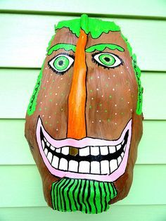 cRaZy Dude Palm Frond Mask by Janet Craig © 2008 InToTheTrees all rights reserved. Palm Tree Crafts, Palm Tree Art, Palm Trees, Palm Frond Art, Palm Fronds, Tiki Faces, Art Projects, Projects To Try, Bazaar Ideas