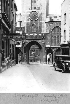 St Johns Gate, Bristol 1931 Bristol Street, City Of Bristol, Bristol Uk, Clifton Bristol, Historical Architecture, English Architecture, Landscape Architecture, Bristol England, Lost River