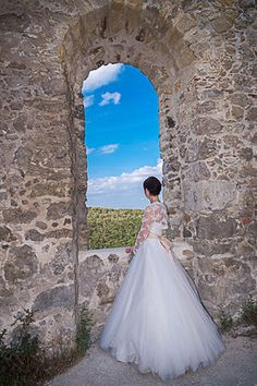 Boho-hochzeitskleid Trends, Motto, Wedding Dresses, Fashion, Boho Wedding Dress, Floral Wreath, Newlyweds, Getting Married, Celebration