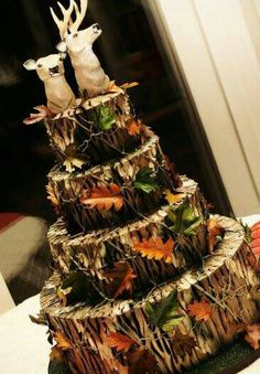 Camo/ deer wedding cake!