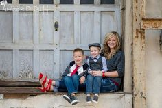 mother and kids poses | Family photography pose mom and children