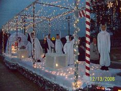 "Penguin/Igloo Christmas Float ""Snow Place Like Home"" Christmas Float Ideas, Christmas Parade Floats, Christmas Tree Lots, Christmas Carnival, Christmas Costumes, Christmas Angels, Simple Christmas, Christmas Holidays, Christmas Crafts"