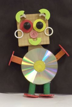 Hands, Head 'n Heart in the Artroom: Rockin' Robots