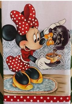 Mickey Mouse Drawings, Minnie Mouse Pictures, Mickey Mouse Wallpaper, Cartoon Drawings, Minnie Mouse Coloring Pages, Mikey Mouse, Mickey And Friends, Mickey Minnie Mouse, Fabric Painting