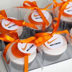 cupcakes para o lançamento da loja online da Nike no Brasil #cupcake #nike