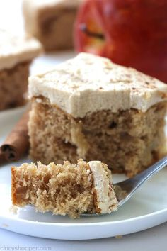 3 Ingredient Apple Cake with Brown Sugar Cinnamon Frosting - easy fall dessert. Apple Cake Recipes, Cake Mix Recipes, Dessert Recipes, Apple Cakes, Cake Mixes, Cake Mix Desserts, Easy Desserts, Apple Desserts, Baking Desserts