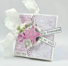 Brettekort til konfirmanten Papirdesign Mini Albums, Gift Wrapping, Tableware, Gifts, Paper Wrapping, Presents, Dinnerware, Wrapping Gifts, Tablewares