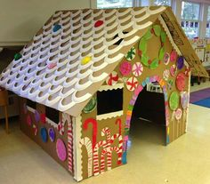 Giant DIY Gingerbread House: just Fab! - Refrigerator - Trending Refrigerator for sales. - This life size cardboard gingerbread playhouse is a perfect kids crafts project for the Winter vacation. Get them to make one this week. Preschool Christmas, Christmas Activities, Kids Christmas, Cardboard Gingerbread House, Christmas Gingerbread, Gingerbread House Pictures, Gingerbread Train, Gingerbread Houses, Ginger Bread House Diy