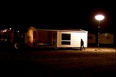 Clément Cogitore - Cohabitations - 2008 - Installation vidéo - Couleur - 11 min boucle