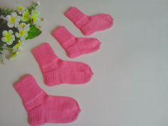 #носки#детские#knit#forchildren Gloves, Socks, Ankle Socks, Sock, Stockings, Mittens, Hosiery