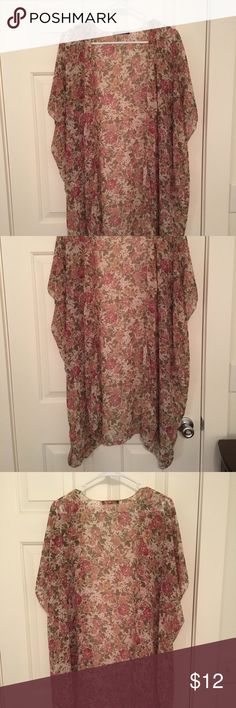 Brandy Melville Floral Kimono Brandy Melville Alexis Long Floral Kimono Only wore it a couple of times and it's just not really my style. Brandy Melville Sweaters Cardigans