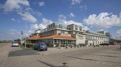 Fletcher Badhotel Callantsoog - boek nu voordelig Holland Strand, Hotels, Street View, Mansions, House Styles, North Sea, Nice Asses, Mansion Houses, Villas