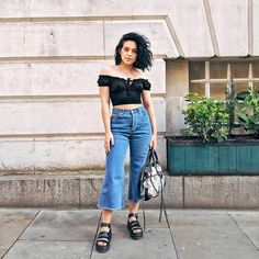 MORE full outfit content for you lovelies 👀😜 Just giving you a heads up, every time the sun comes out this is probably what you're gonna… Black Sandals Outfit, Sandals Outfit Summer, Crazy Outfits, Trendy Outfits, Cute Outfits, Fashion Outfits, Dr Martens Sandals, Doc Martens, Oufits Casual