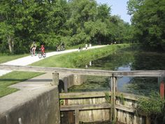 The Ohio & Erie Canal Towpath Trail in Stark County provides 25 miles for hiking and biking, and more than 19 miles of horseback riding. The Stark County section is part of the 80+ mile Ohio & Erie Canalway National Heritage Area that connects Cuyahoga, Summit, Stark, and Tuscarawas counties.