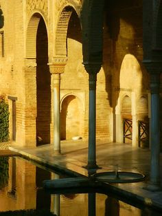 La Alhambra, Granada,Spain A little eye candy to bring back good memories to those who know this wonder. For those who haven't yet been, we hope this will entice you to visit .  #alhambra #monuments #granada #lecrinvalleysuggestiona #andalucia #spain