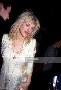 Courtney Love Hole, Kurt And Courtney, Messy Waves, Bleach Blonde Hair, Human Bean, Nirvana Kurt Cobain, Still Love Her, Celebrity Skin, Janis Joplin