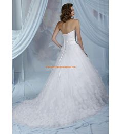 Strapless Princess Beaded Applique Tulle White Wedding Dresses 2013