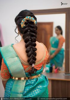 Ditch the same old ponytail and braid, and get inspired with these ten jaw-dropping hairstyles for Indian weddings. From a retro hairdo to a crimped hairstyle let's take a look at what's trending for long hair. South Indian Wedding Hairstyles, Unique Braided Hairstyles, Bridal Hairstyle Indian Wedding, Bridal Hair Buns, Fishtail Braid Hairstyles, Bridal Hairdo, My Hairstyle, Wedding Hairstyles For Long Hair, Hairstyle Ideas