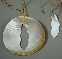 ALAN PRESTON-NZ  - Breastplate set   $1,950 Goldlip oyster shell, vau, gold
