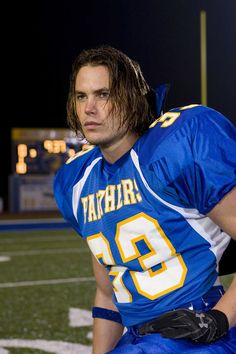 Fine, so this is Tim Riggins from Friday Night Lights, BUT, why shouldn't we picture football player (and total player) Noah as him?