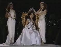 Miss Venezuela Mundo Ninibeth Leal, es coronada por su antecesora como la Nueva Miss World 1991 by Antoni Azocar