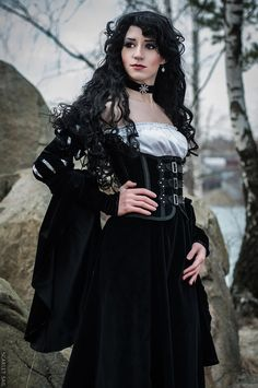 Character: Yennefer of Vengerberg / From: Andrzej Sapkowski's 'The Witcher' Short Stories and Novels & CD Projekt RED's 'The Witcher' Video Game Series / Cosplayer: Lina Groza (aka Great Queen Lina) / Photo: Julia Abramova / Costume Design: Lina Groza The Witcher, Yennefer Cosplay, Yennefer Of Vengerberg, Yennefer Witcher, Armadura Cosplay, Gothic Looks, Steampunk Cosplay, Steampunk Clothing, Video Game Cosplay
