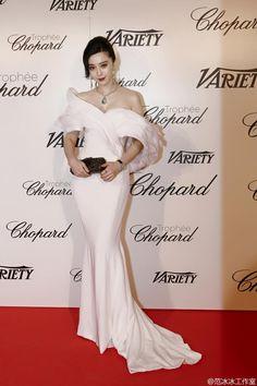 Fan Bingbing cautiva en 4 vestidos impresionantes en el Festival de Cine de Cannes