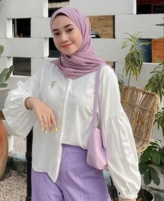 Modest Fashion Hijab, Modern Hijab Fashion, Casual Hijab Outfit, Hijab Chic, Hijab Dress, Muslim Fashion, Casual Outfits, Korean Fashion Kpop Inspired Outfits, Teen Fashion Outfits