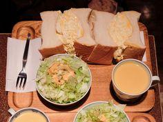 あまりのボリュームに森きみも驚愕 東銀座名物の巨大サンドイッチとは