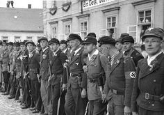 Men of the para-military Sudetendeutsche Freikorps lining up to greet Hitler who was scheduled to arrive shortly, Niemes, Sudetenland, Germany, 10 Oct 1938 Source German Federal Archive Inside The Third Reich, Munich Agreement, World Conflicts, Central And Eastern Europe, Second World, Citizenship, World War Ii, Lineup, Wwii