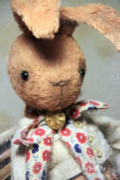 Artist teddy bear friend OOAK collectible rabbit by elibichita, €170.00