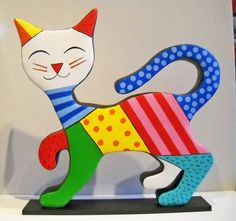 Bugsy by Janneke Neele Baby Quilt Patterns, Mosaic Patterns, Cat Crafts, Wood Crafts, Gond Painting, Arte Country, Paper Mache Sculpture, Cat Cushion, Cat Stands
