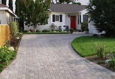 gray-driveway-small-driveway-paver-driveway-genesis-stoneworks_4589.jpg 500×345 pixels