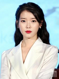 Hotel Del Luna tickled the curiosity of the viewers and by hearing the title of the series, fans' imagination started to fly and can't help themselves from. Korean Makeup, Korean Beauty, Korean Actresses, Korean Actors, Seoul, K Pop, Dibujos Cute, Iu Fashion, Korean Singer