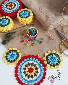 """Instagram'da 🌺Nurgül Aybal 🌺Siz hayal edin: """"Bazen dağınık çalışmak gerekiyor 😁😁 . #mandala #masaörtüsü #ranır #rengarenk #sunumönemlidir #instagood #instadaily #instagram #koltukşalı…"""" Crochet Mandala Pattern, Granny Square Crochet Pattern, Crochet Stitches, Crochet Gifts, Diy Crochet, Crochet Baby, Crochet Table Runner, Crochet Tablecloth, Hemp Yarn"""