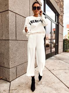 Catch up with Christine Favorite Makeup Being a Stepmom and Staple Fashion Buys Hello Fashion Street Style Boho, Looks Street Style, Looks Style, Trendy Style, Casual Chic Style, Mode Outfits, Fashion Outfits, Womens Fashion, Fashion Trends
