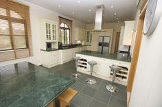 Quinta do Lago Villa Bespoke, Fully Fitted, Granite Kitchen via http://www.quintadolagoluxuryvilla.com